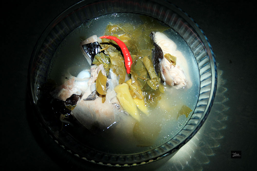 Đầu cá thu ngọt kết hợp với lá giang chua tự nhiên, thanh nhát