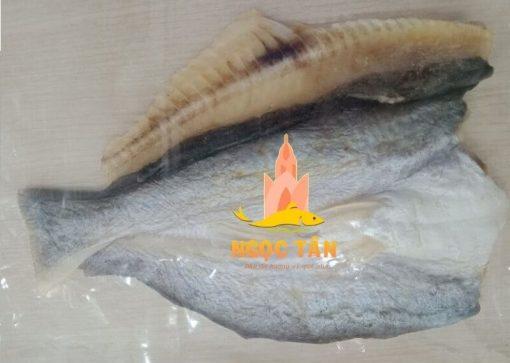 ở đâu bán khô cá dứa