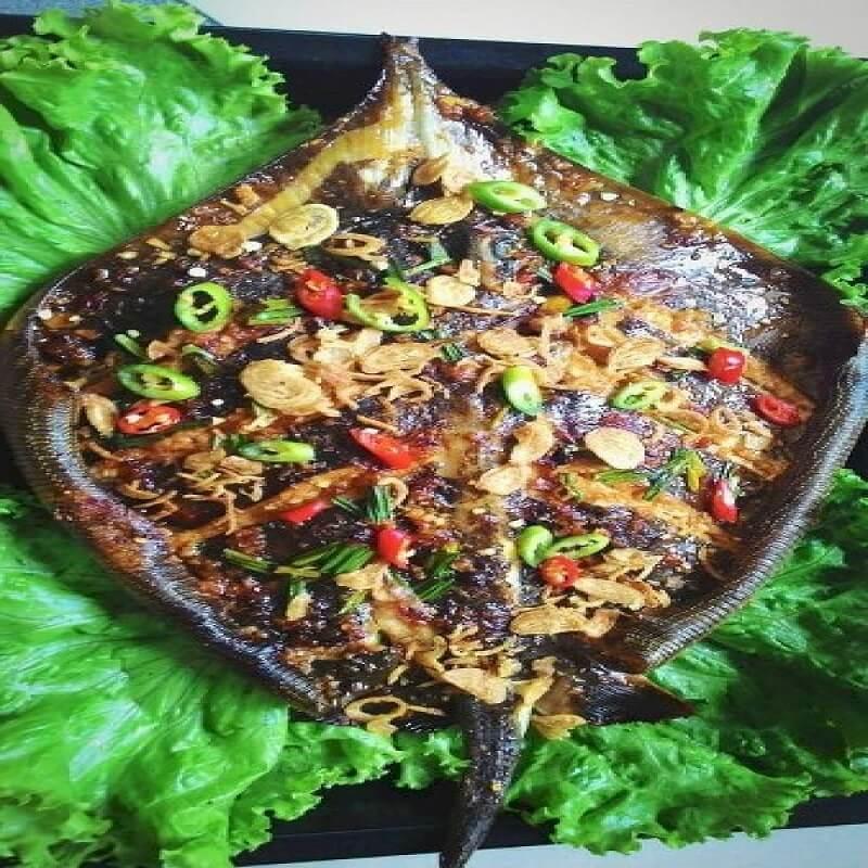 cá đuối nướng sả nghệ