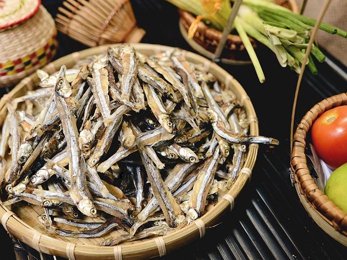 giá cá cơm khô