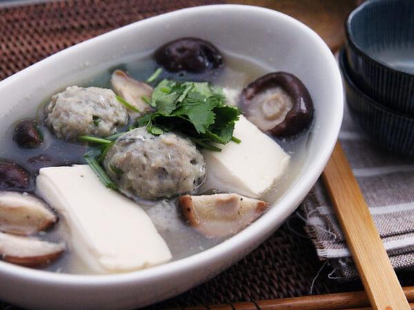 Canh thác lác đậu hũ om nấm