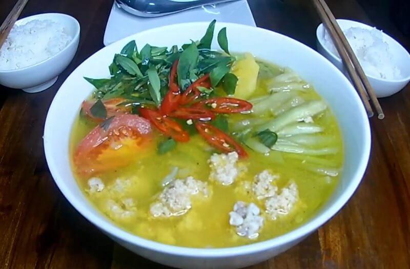 trứng cá chép nấu canh chua