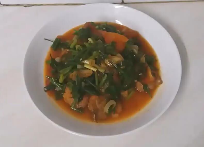 Trứng cá chép sốt cà chua