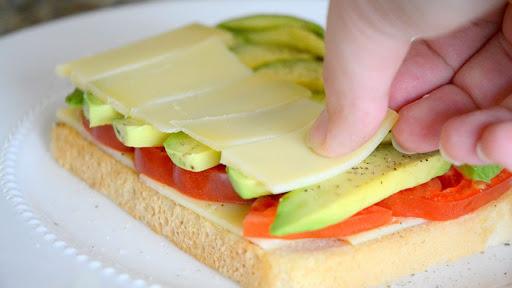 Bánh mì Sandwich phô mai bơ