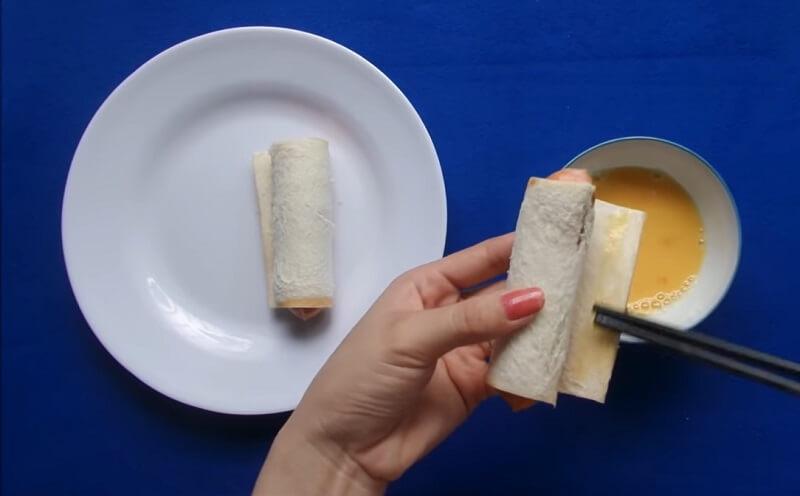 cách làm bánh mì sandwich kẹp xúc xích