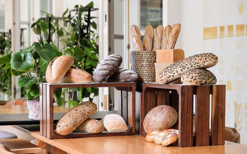 Bánh mì đen tại Park Hyatt Sai Gon